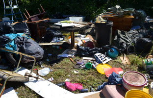 Kalama river Road illegal dumping